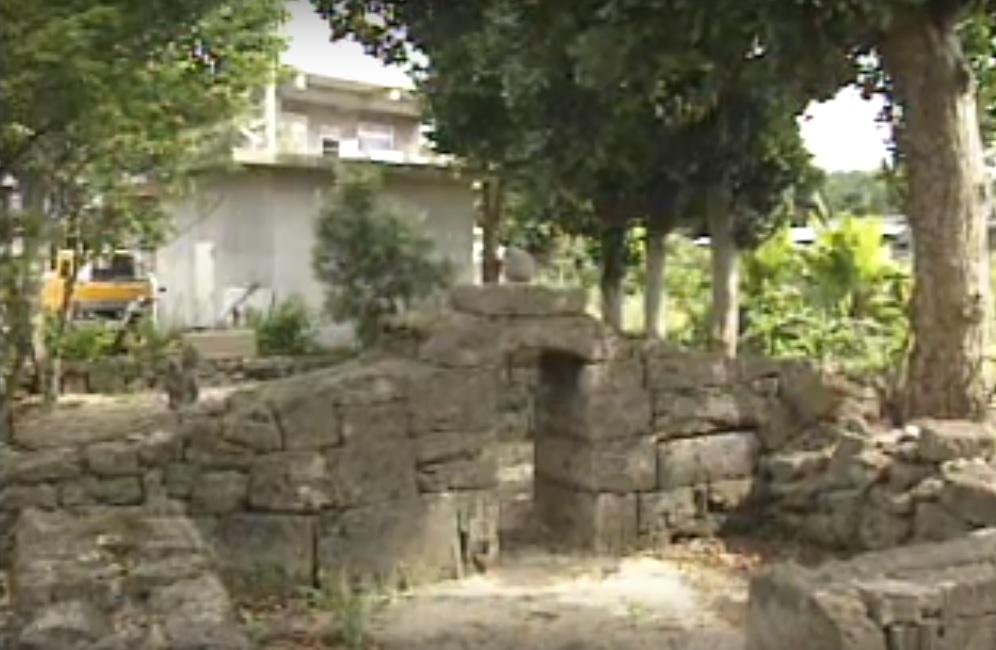 ウプメーカ(土原豊見親の墓)